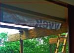 Beam bridges floor load betwen main girders.